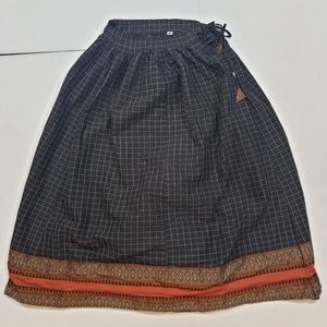 Vintage Women's tie waist mid length plaid skirt